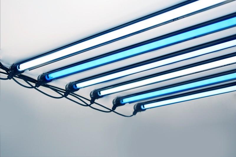iQuatics Aqualumi T5 Controller - 2 x 80w T5 - Complete Lighting Kit